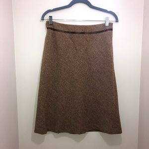 Ann Taylor Skirt Women's Size 4 with pleats!